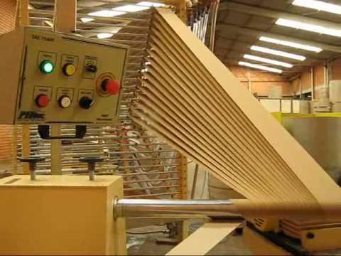 Tubeteira - Tubeteiras para tubos diâmetros 3mm a 500 mm Unidades de corte pneumática ou eletrônica Paper tubes for tubes diameters 3mm up to 500 mm Eletronic or pneumat...