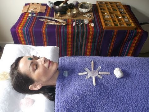 Does Crystal Healing REALLY work? (видео)