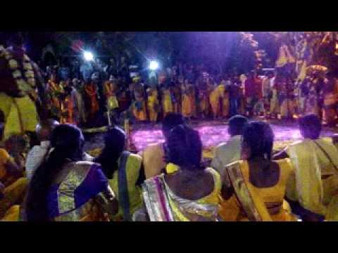 Marche sur le feu au temple Arulmigu Viraman Karli SERIACAROUPIN ā ste Suzane 2017