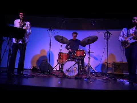KIAP - Circles (Live)