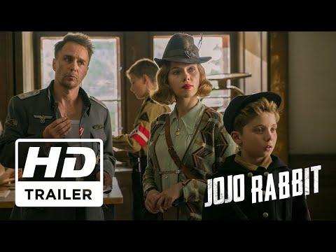 O diretor e roteirista Taika Waititi traz seu estilo de humor para o seu mais recente filme. Jojo Rabbit é uma sátira da Segunda Guerra Mundial que acompanha um garoto alemão solitário (Roman Griffin Davis como JoJo).