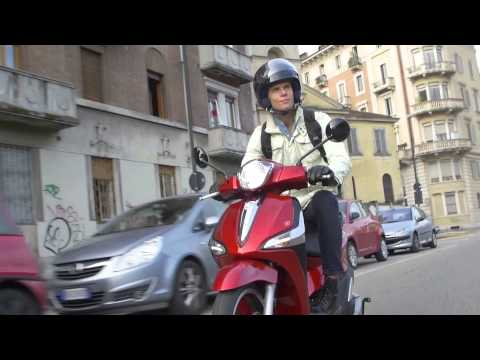 New Piaggio Liberty 150 ABS riding scenes video