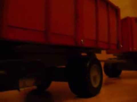 Camión de madera modelismo - Camión construido casi en su totalidad en madera parabrisas y ventanas de vidrio los focos iluminan realmente y las puertas se pueden abrir.