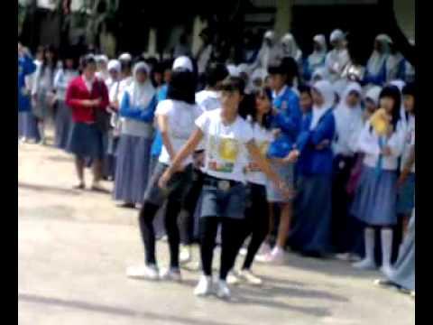 Video Sexy Dance Anak SMA.mp4
