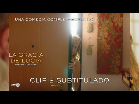 """La gracia de Lucía - Clip Subtitulado """"Sólo por ti""""?>"""