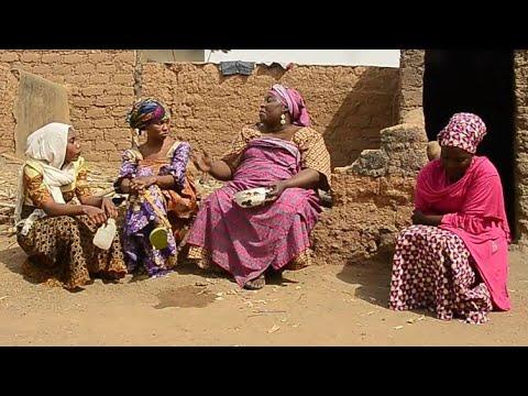 Download Musha Dariya [ Uwar Yan Mata Saban Salo ] Video