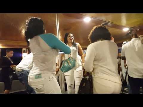 See Wasiu Alabi PASUMA Perform For New York Elites And Yoruba Artistes On A Boat Ride