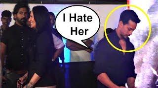 Video Tiger Shroff Avoids Mother Ayesha Shroff At Baaghi 2 Screening MP3, 3GP, MP4, WEBM, AVI, FLV April 2018