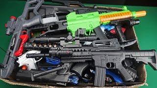 Video Big Box Full of Realistic and Colorful Military Toy Guns !! MP3, 3GP, MP4, WEBM, AVI, FLV Juni 2019
