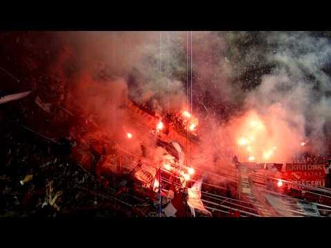Rojo, mi buen amigo (Bengalas ante Huracán) - La Barra del Rojo - Independiente