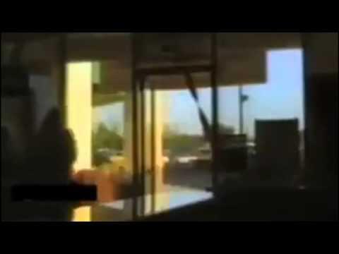 Cam Kapıya Çarpan İnsanlar