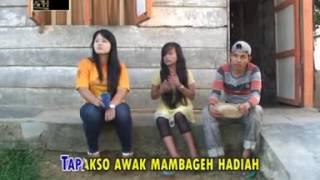 download lagu download musik download mp3 LAGU LAWAK JAMBI - RIKA PURNAMA -  URANG TUO BENGAK ( Part 1 ) - Official Music Video - APH