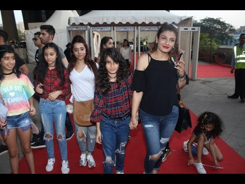 Raveena Tondon With Kids At Justin Bieber Concert