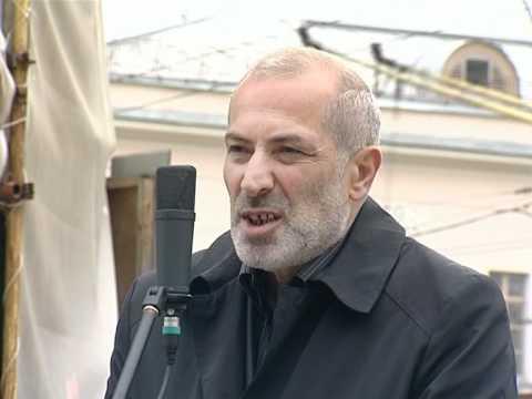, title : 'Виталий Калоев на митинге в Москве 02.10.2010'