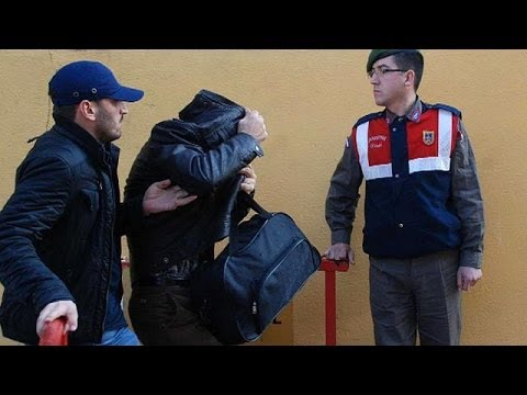 Turquie: inculpation de 2 fils de ministres