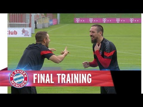 Training - Final training session for FC Bayern ahead of the game against AS Roma. Xabi Alonso, Franck Ribéry & Co. can't wait to face the Italians. Das Abschlusstraining des FC Bayern vor dem Spiel...