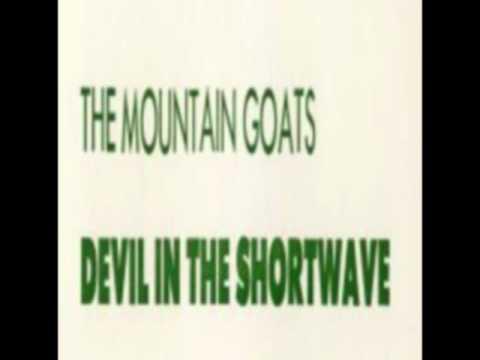 Tekst piosenki The Mountain Goats - Dirty Old Town po polsku