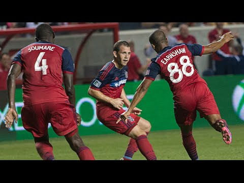 Video: Robert Earnshaw scores a floating header past FC Dallas for the win