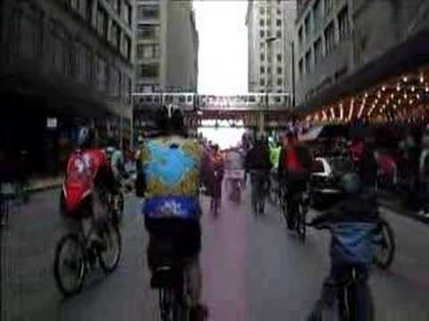 cheencheenvideo - I ride in the Critical Mass bike ride every month while I'm living in Chicago. I notice that many people are confused about what we are doing and why, so I d...