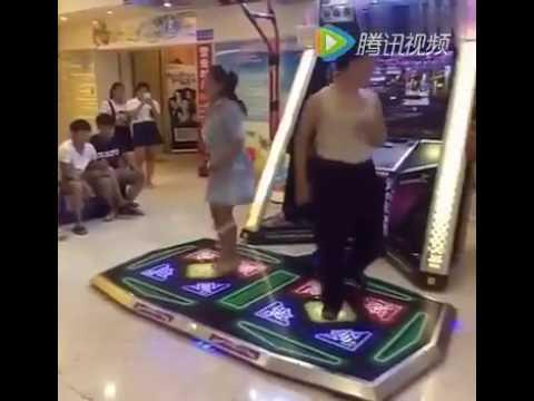妹仔舞跳得不錯,內褲的品質不行