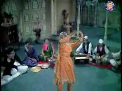 Video Sanam Tu Bewafa - Mumtaz & Shatrughan Sinha - Khilona download in MP3, 3GP, MP4, WEBM, AVI, FLV January 2017