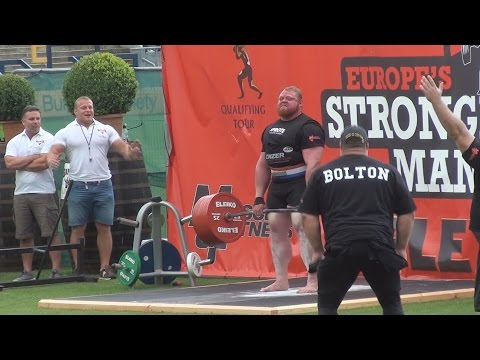 Woman trying to interview Benedikt Magnusson after New deadlift world record in 2014