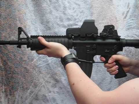 M4SOPMOD - Shots and reloads with the tokyo marui M4 SOPMOD airsoft gun. You can also see the blowback system, the bolt catch system and the way to change the batterie,...