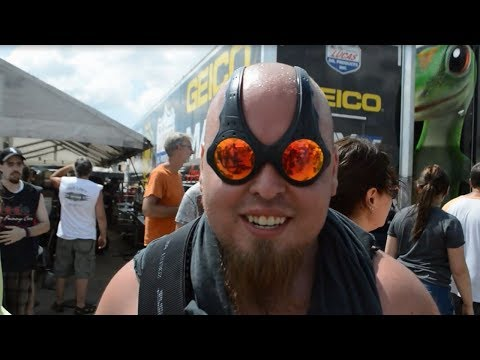 Smell the Nitro! Chicago Fans have Love for Drag Racing