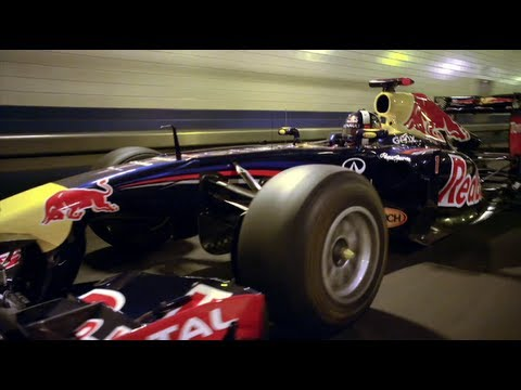 VIDEO: Red Bull F1 auto Lincoln Tunnelissa