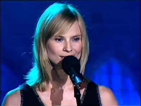 Tekst piosenki Jonasz Kofta - Do łezki łezka po polsku