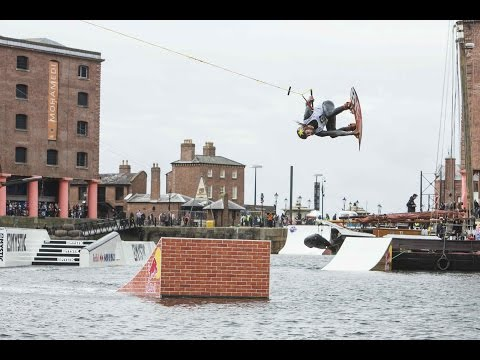 RED - CLICK to watch the best wipeouts from the event: http://win.gs/1puiqSy Red Bull Harbour Reach returned to Liverpool, where 19 of the world's best wakeboarders went board to board on a variety...