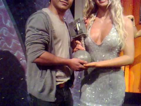 Madame Tussauds wax museum (Britney Spears MTV Awards)Pt.15