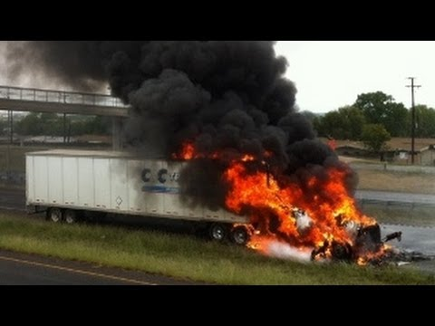 CRAZY Truck Crashes, Truck Accidents compilation 2013 - Part3