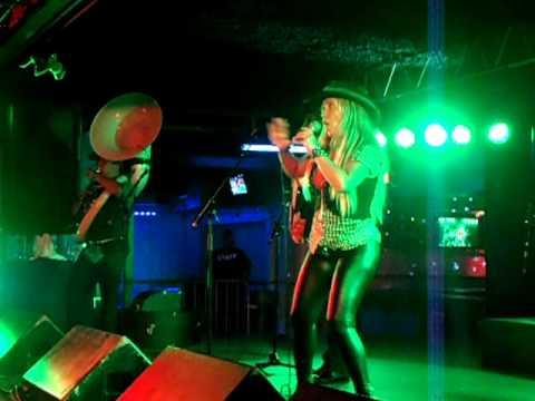 LATIN - Makarena LIVE at The Circle