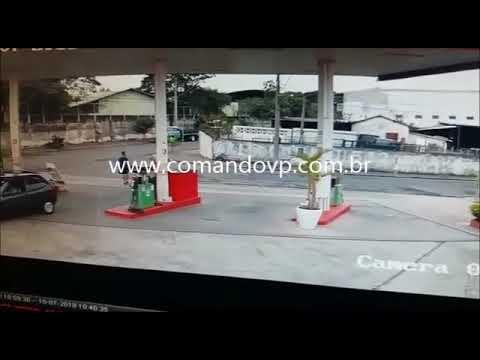 Bandido esfaqueia PM em roubo e acaba baleado