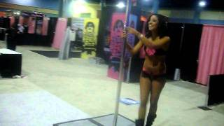 Hottie Dancing To Feak-A-Leek @ Exxxotica Miami 2011 670809 YouTubeMix