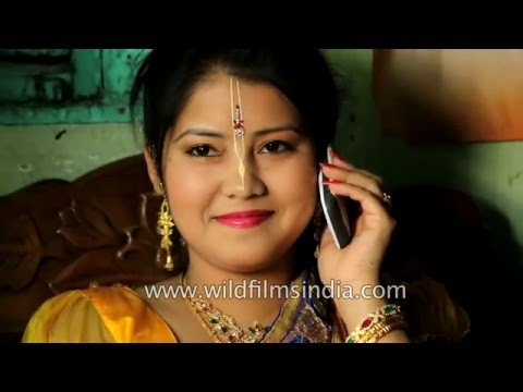 Video Manipuri bride speaks to friends on her mobile, before her wedding download in MP3, 3GP, MP4, WEBM, AVI, FLV January 2017