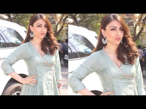 Soha Ali Khan At Indian Craft & Design Hub Exhibit