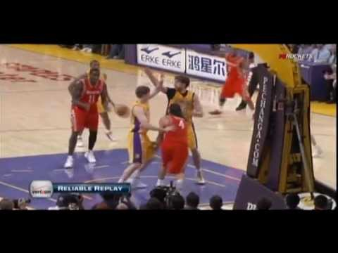 Sam Dalembert facial dunk on Pau Gasol