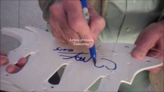 Here's a great video of a True icon, Artist Peter Max Signing Autographs for us! Check out these exact items and other Awesome Authentic Autographs from your favorite Celebs at WWW.PIECEOFHISTORYCOLLECTIBLES.COM.