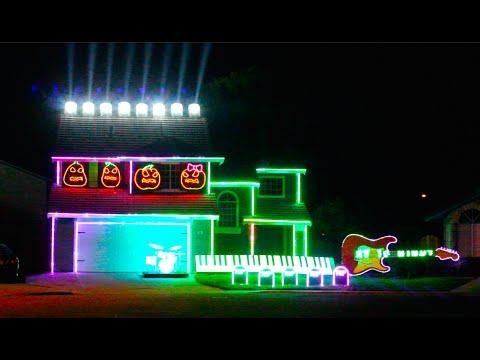 Halloween Light Show 2015 Synced to Disney Villains