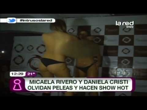 Video Micaela Rivero y Daniela Cristi olvidan peleas y hacen show erótico download in MP3, 3GP, MP4, WEBM, AVI, FLV January 2017