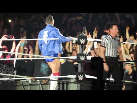 WWE Live Santiago - Entrada de Fin Balor