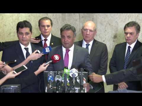 Aécio defende MP de socorro a municípios