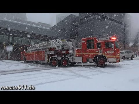 ladder - Heavy snow fall in Seattle causing traffic problems and minor accidents. Seattle has lots of steep hills which became inaccessible for Seattle fire units. Th...