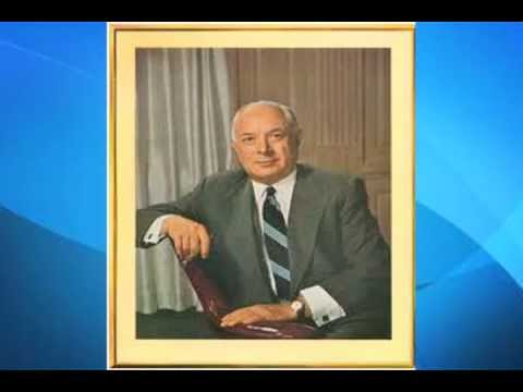 Sarnoff - A Voice-Overed Slide Show about David Sarnoff.