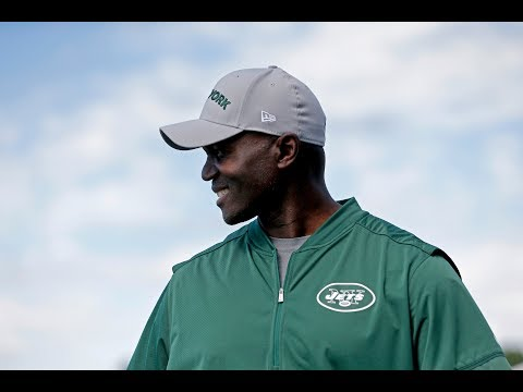 Todd Bowles Blows Off Reporter's Question | Stadium