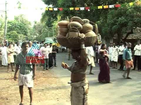 KANHANGAD - A Travelogue on Mavunkal,Kanhangad and Neeleswaram by Mangad Rathnakaran.