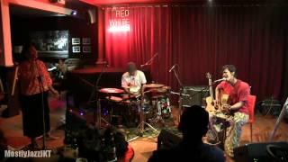 Video Matajiwa ft. Bonita - Cukup dalam Hati ~ The Maze @ Mostly Jazz 12/04/14 [HD] MP3, 3GP, MP4, WEBM, AVI, FLV Maret 2018