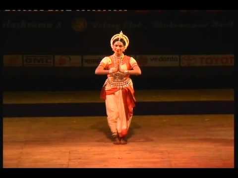 Video Guru Bandana: Sujata Mohapatra pays tribute to Guru Kelucharam Mohapatra download in MP3, 3GP, MP4, WEBM, AVI, FLV January 2017